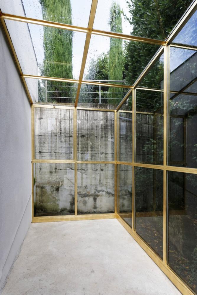 Felice Varini, 'Foglia d'oro in serra, detail', 2015