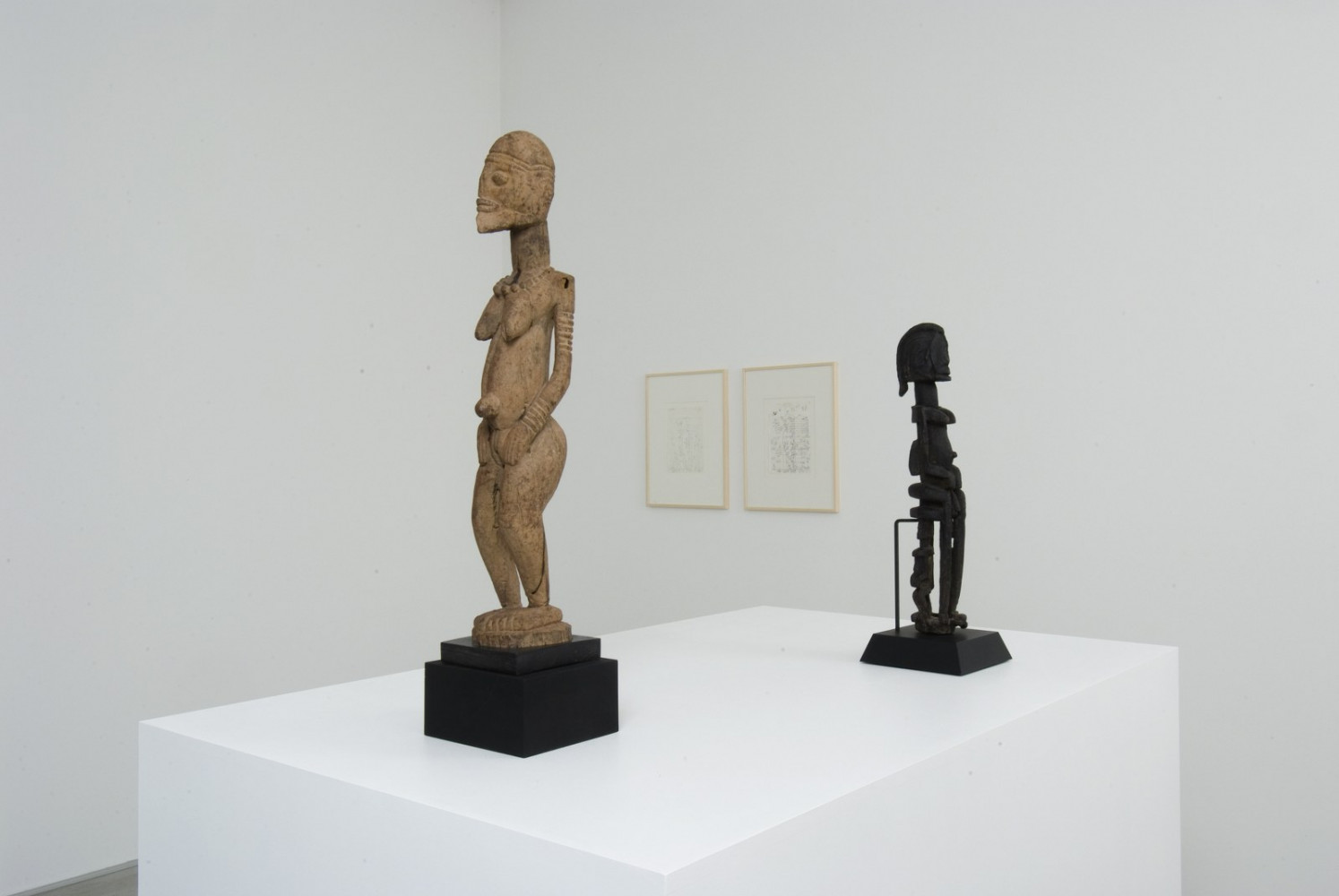 'Culture Myth Africa – Tony Cragg and African Sculptures ', Installation view, Buchmann Galerie Agra / Lugano