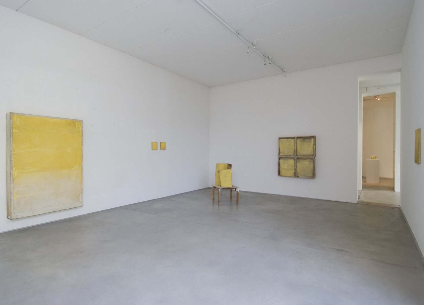 'Lawrence Carroll_Yellow works – Wilhelm Mundt_Yellow Murano glass scultpures', Installation view