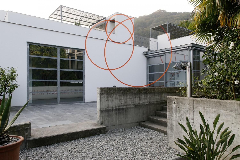 Felice Varini, 'Un cerchio giù e due su', 2008