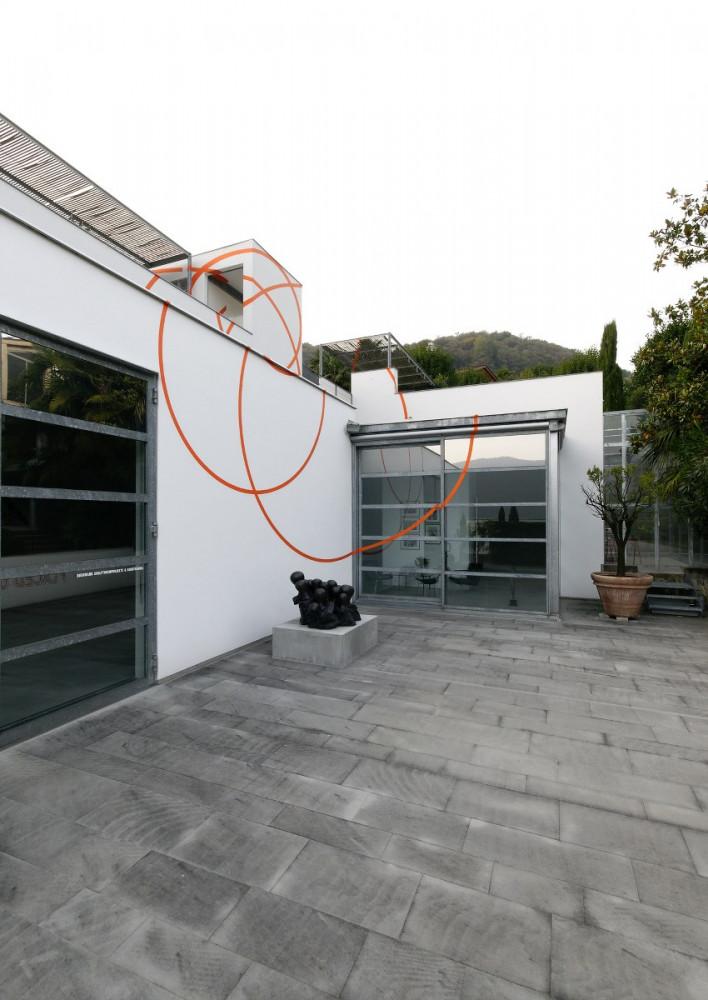 'Wall Works – Giovanni Anselmo_Daniel Buren_Lawrence Carroll_Mario Merz_Felice Varini_Lawrence Weiner', Installation view, Buchmann Galerie Agra / Lugano