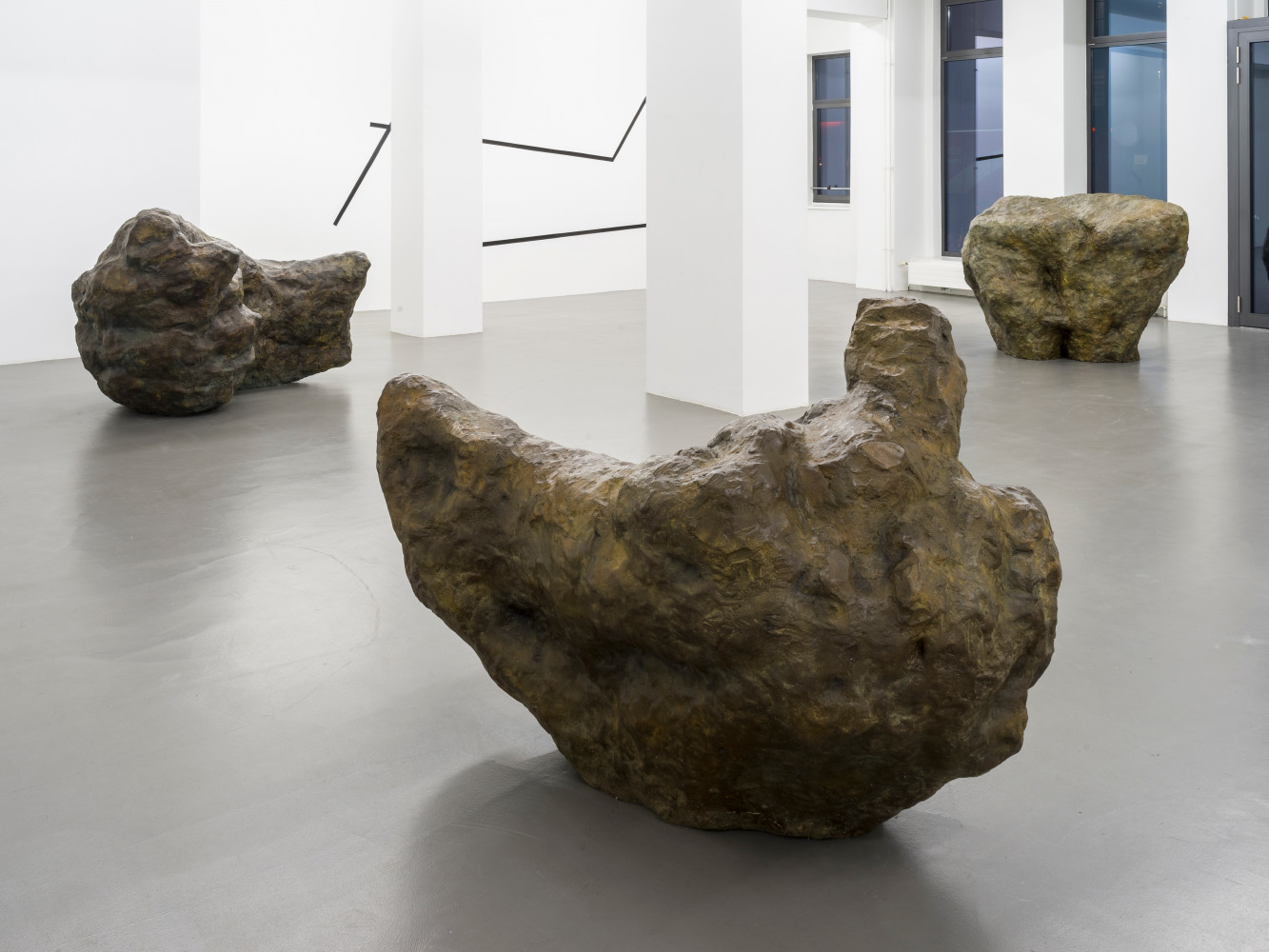 William Tucker, Installation view, Buchmann Galerie, 2020